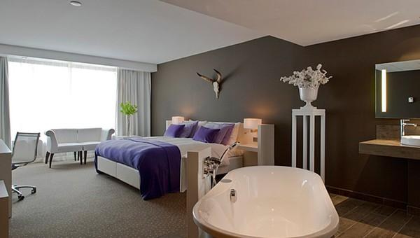 Hotel met bad in slaapkamer - Kamer met bad ...