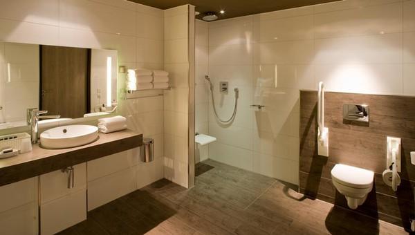 Comfort kamer | mindervalide met bad & douche | Van der Valk Hotel ...