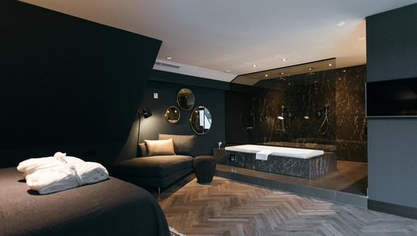 Comfort Deluxe suite - open bathroom | Van der Valk Hotel Apeldoorn ...